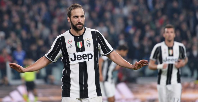 Juventus' Gonzalo Higuain reacts after scoring the goal during the Italian Serie A soccer match Juventus FC vs SSC Napoli at Juventus Stadium in Turin, Italy, 29 October 2016. ANSA/ALESSANDRO DI MARCO